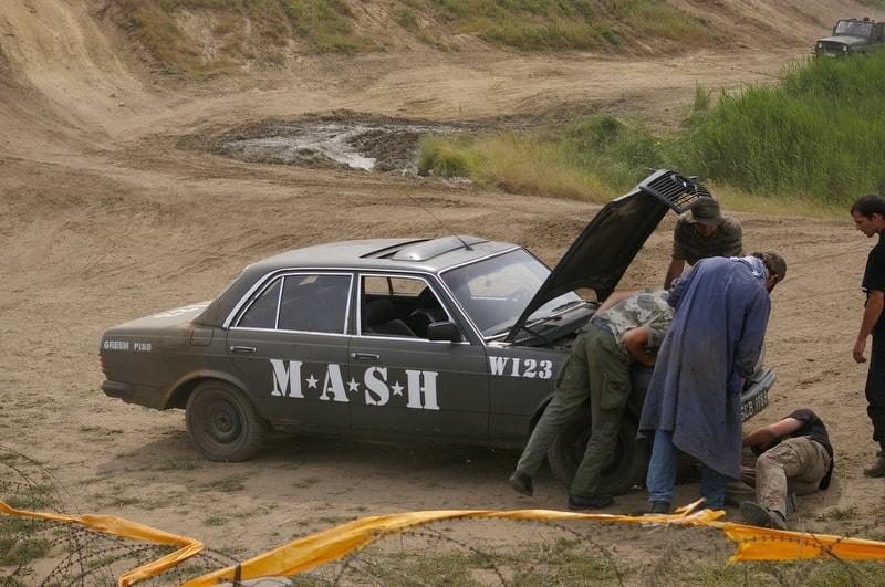 Pomoc drogowa anhol zlot militarny M.A.S.H