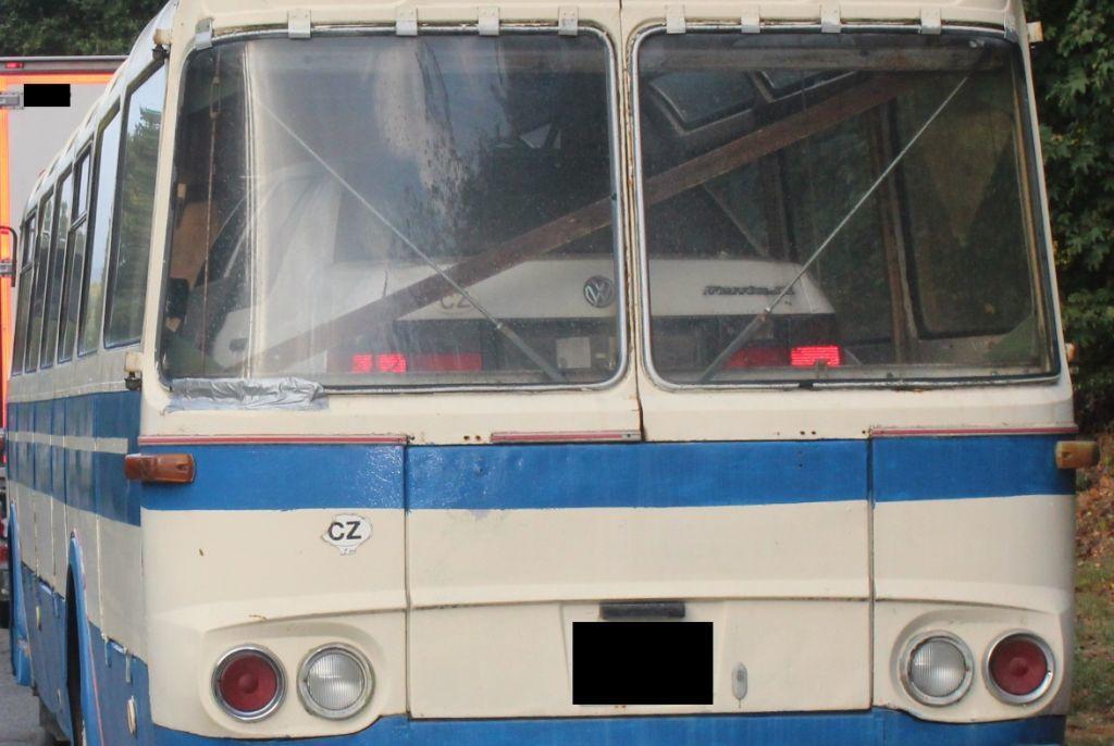 VW Passat in Reisebus